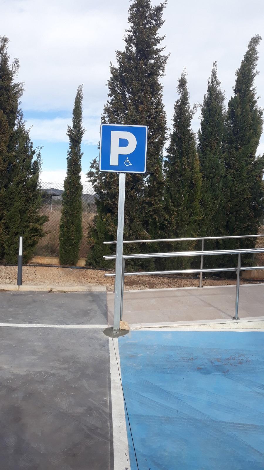 Los Olivos. Parking Minusválidos | BJ Publicidad