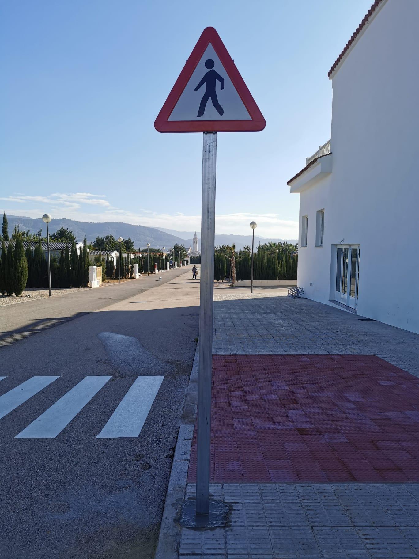 Los Olivos. Paso de peatones | BJ Publicidad